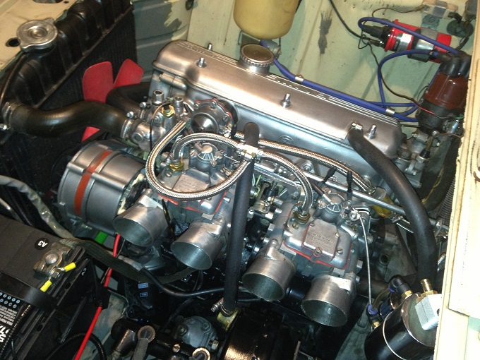 Ed's 2002 engine with twin 680 Solexes mounted
